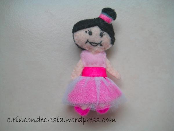 Bailarina con tutú y moño, hecha a imagen de la persona que la encargó, 4,5 €