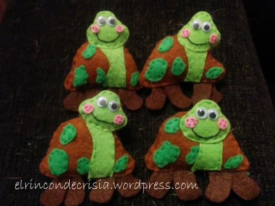 Graciosas tortugas de tierra, con ojos móviles, 5€